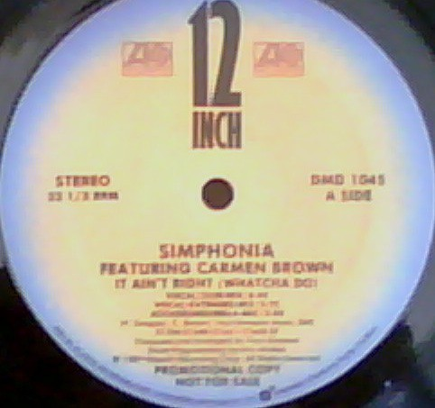 Simphonia Featuring Carmen Brown - It Ain't Right (Watcha Do) (12